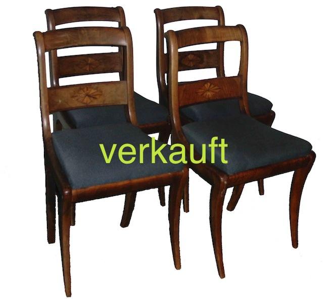 Verkauft 4 Bdm.-Stühle intarsiert