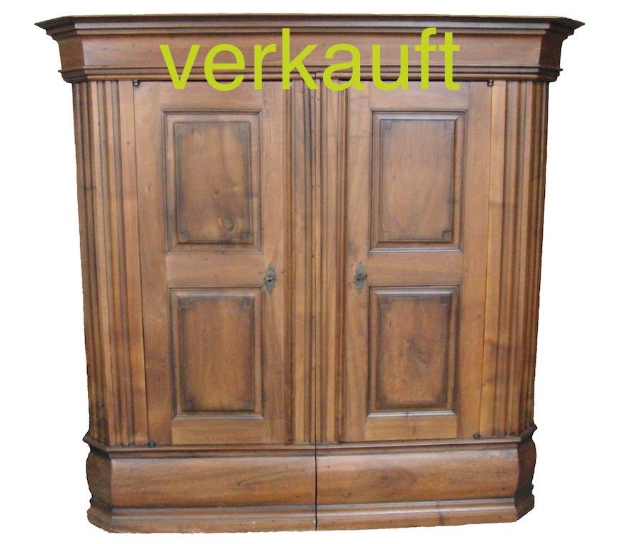 Verkauft Prachtiger Barock Schrank Aus Dem Kt Thurgau Nussbaum Edeltrodel Antike Mobel