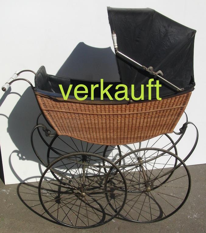 Verkauft Kinderwagen um 1900