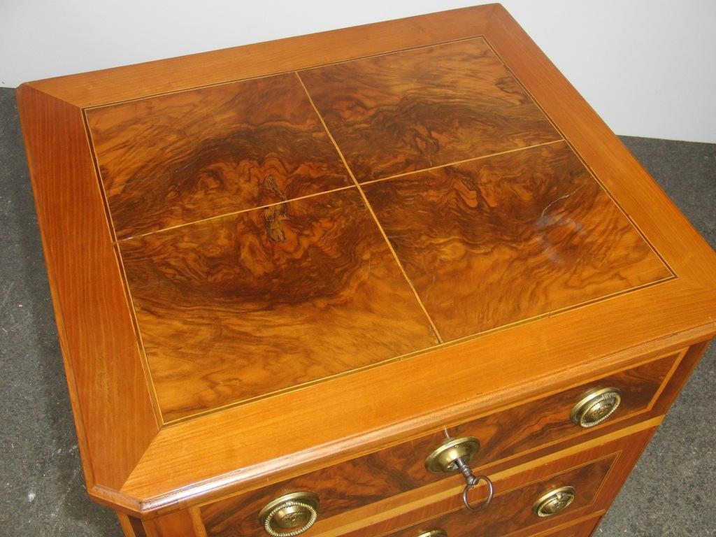 verkauft sehr kleine kommode louis xvi edeltr del antike m bel. Black Bedroom Furniture Sets. Home Design Ideas
