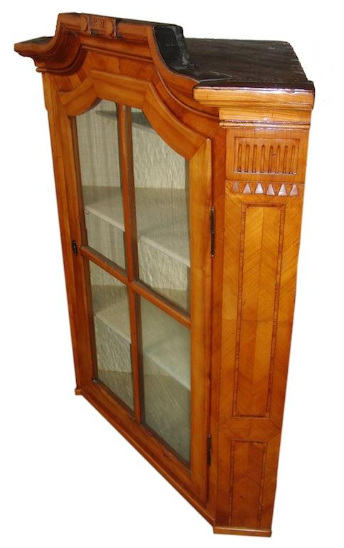 Seltene eck vitrine kirschbaum l xvi edeltr del for Kirschbaum vitrine
