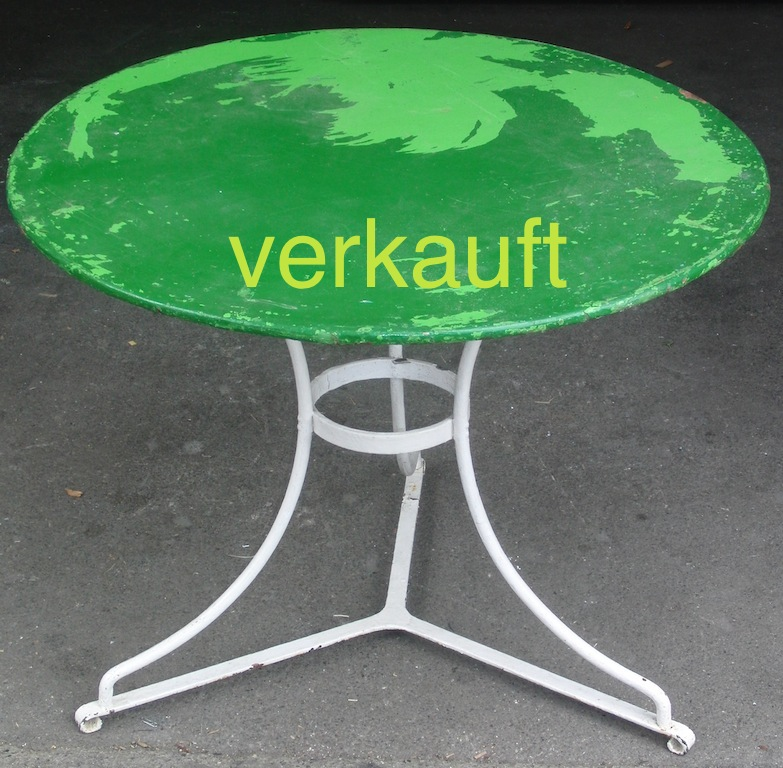 Verkauft Gartentisch grün schief8.13A