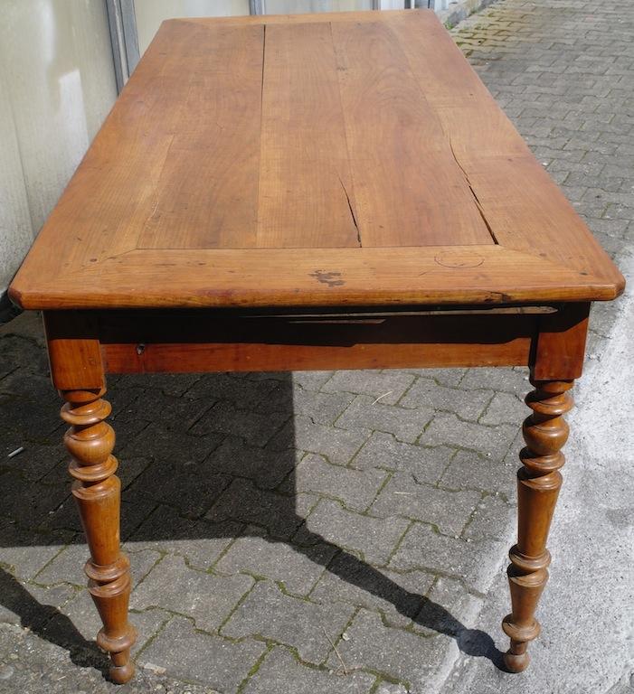 Reserviert antiker grosser tisch 34 kirschbaum for Tisch kirschbaum