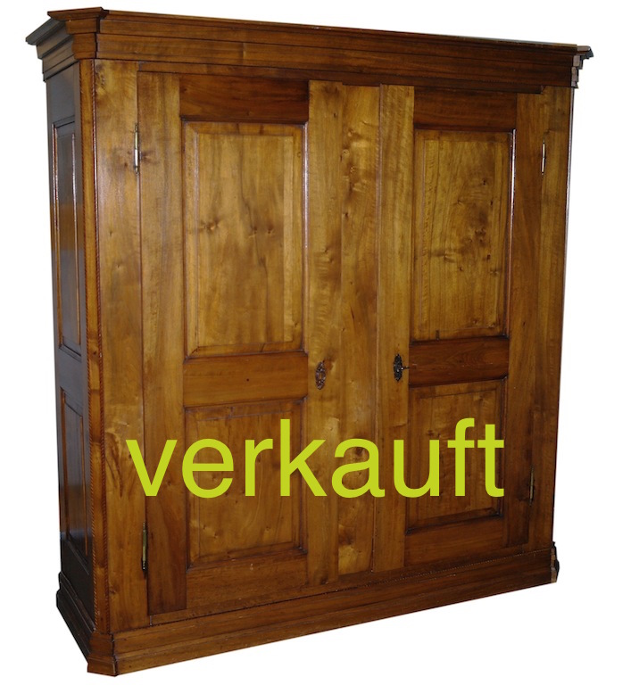Verkauft Schrank m Filet Nb April14A