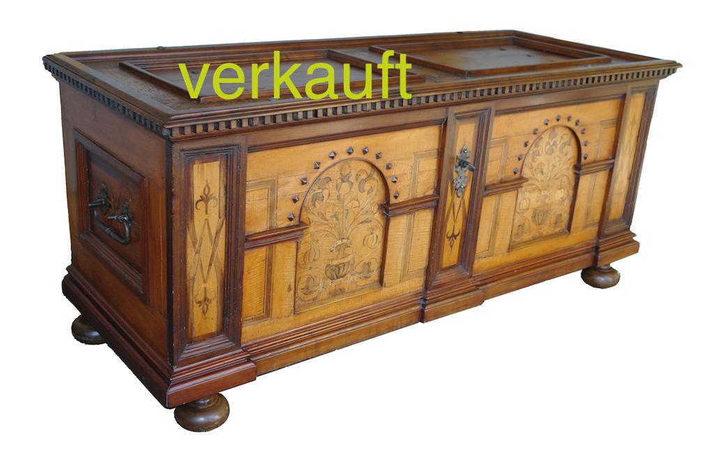 Verkauft Schlosstruhe Nov14A