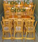 Noch 16 Stück: 32 Stühle halbrund hell Dez14A