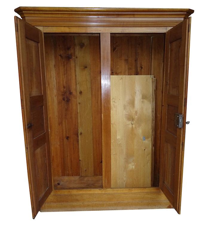 verkauft kleinerer aargauer biedermeier schrank. Black Bedroom Furniture Sets. Home Design Ideas