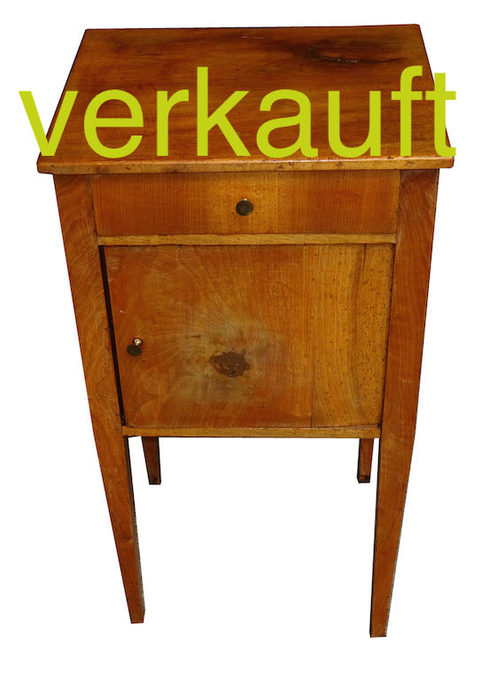 verkauft kleine biedermeier liseuse nachttisch nussbaum massiv edeltr del antike m bel. Black Bedroom Furniture Sets. Home Design Ideas