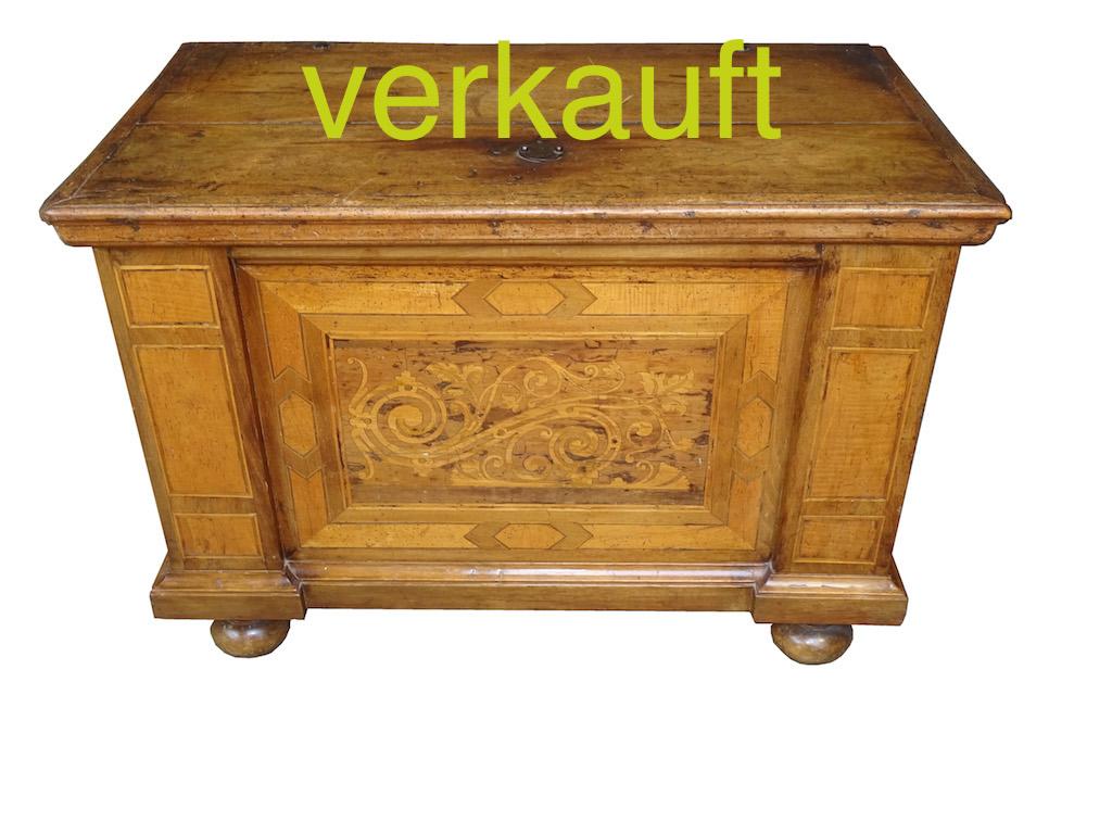 Verkauft Engadiner Minitruhe Aug15A