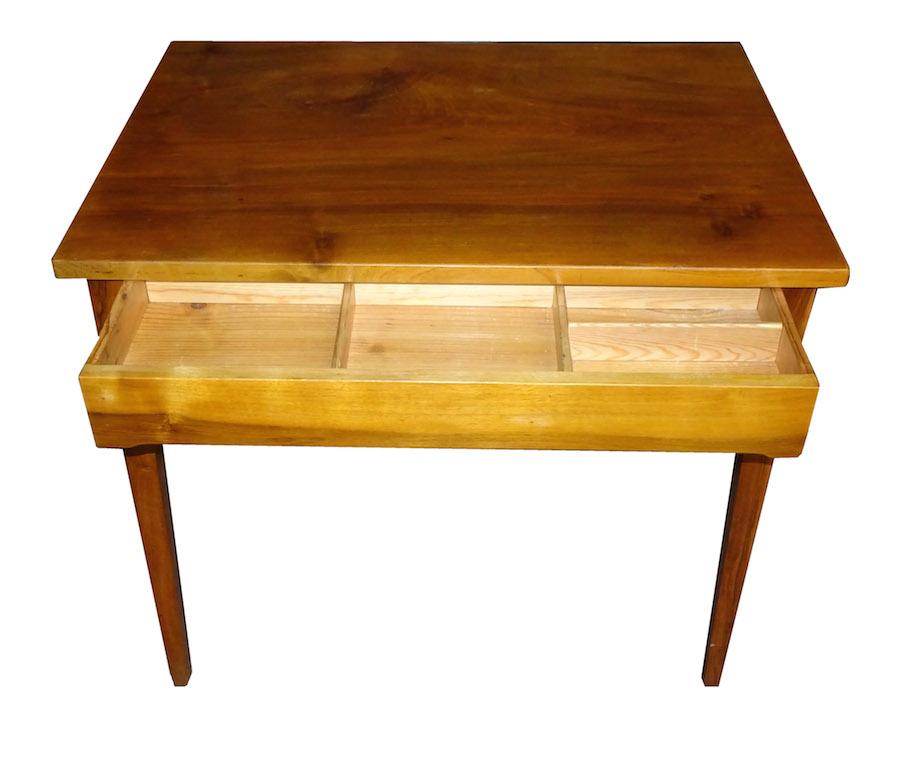 Verkauft: Kleiner Arbeits- oder Schreibtisch, Biedermeier ...