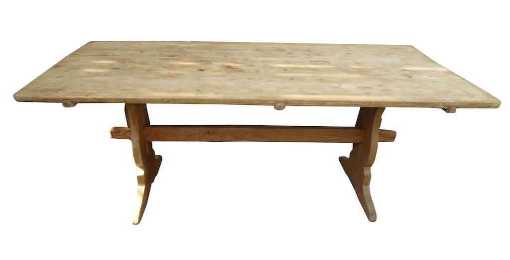 verkauft grosser barocker rustikaler b ndner tisch. Black Bedroom Furniture Sets. Home Design Ideas