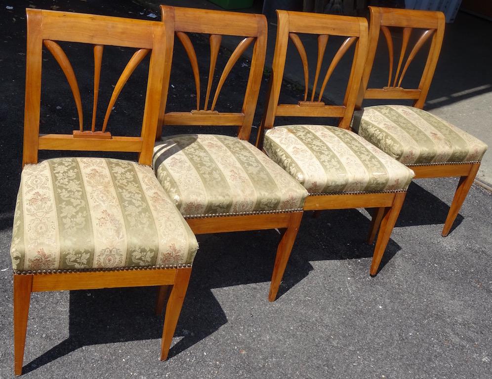 verkauft 4 sehr sch ne berner biedermeier st hle edeltr del antike m bel. Black Bedroom Furniture Sets. Home Design Ideas