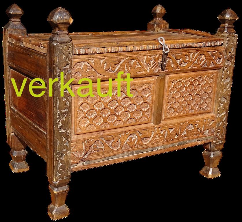 Truhe gotisch KastaniOkt16A verkauft
