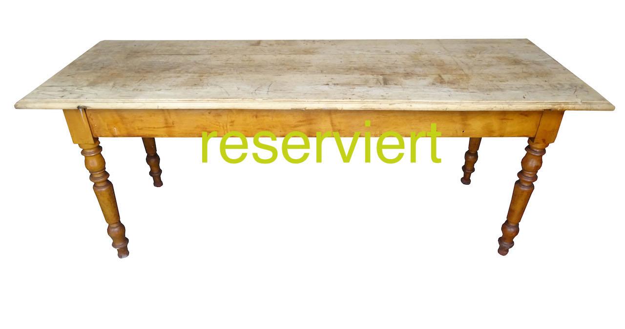 Tisch107 März17A reserviert