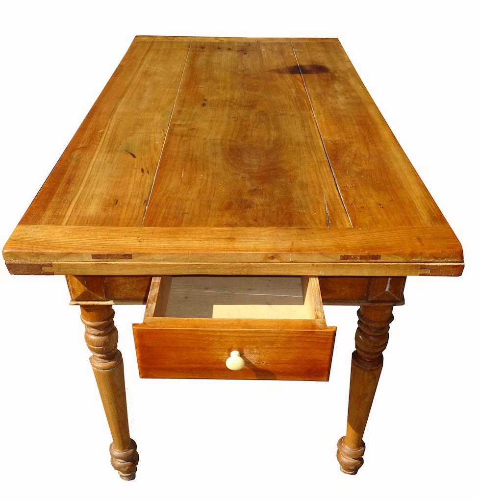 sch ner alter tisch 114 kirschbaum ausziehbar. Black Bedroom Furniture Sets. Home Design Ideas