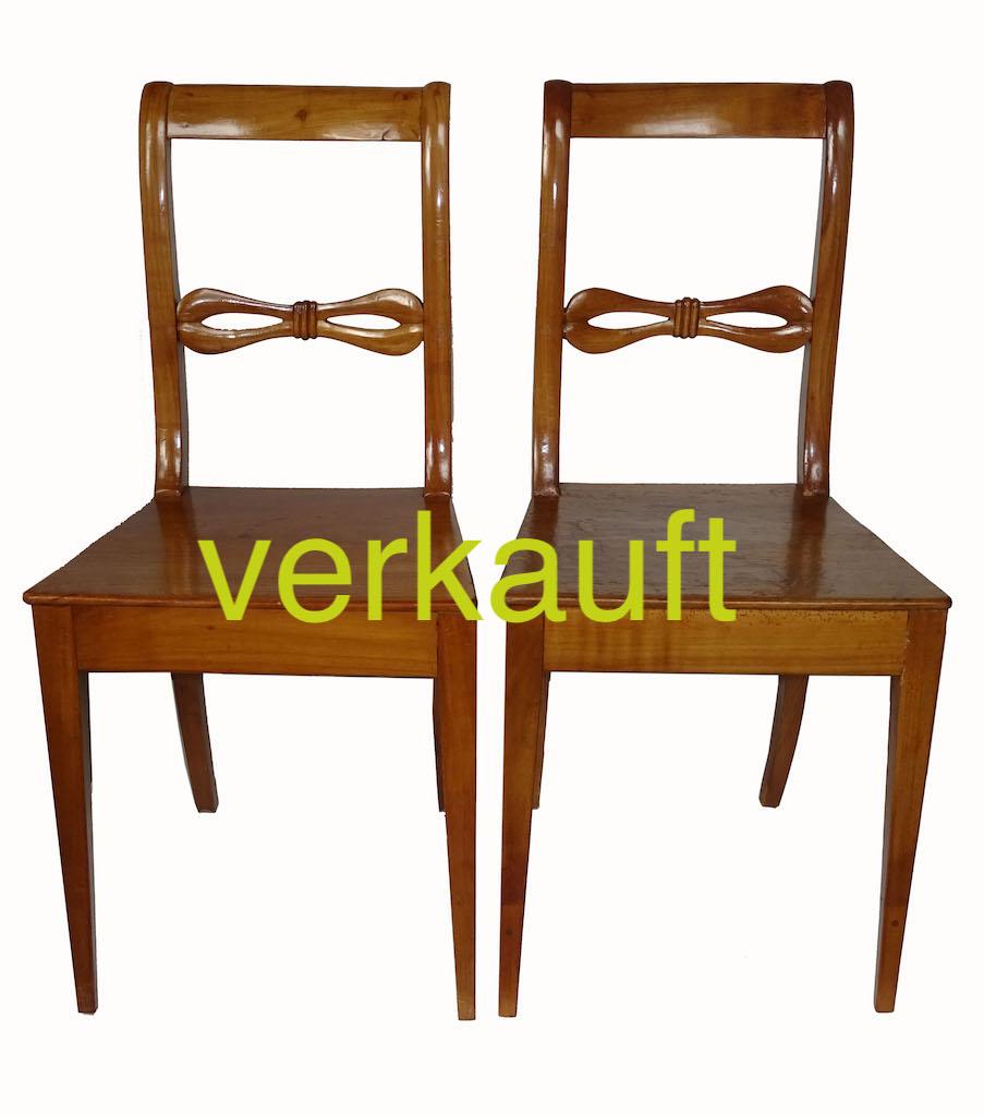 2 Stühle BdmKb Dez17A verkauft